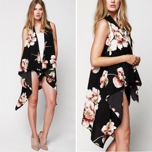 ❤️ Black Floral Sleeveless Long Vest Wrap Top